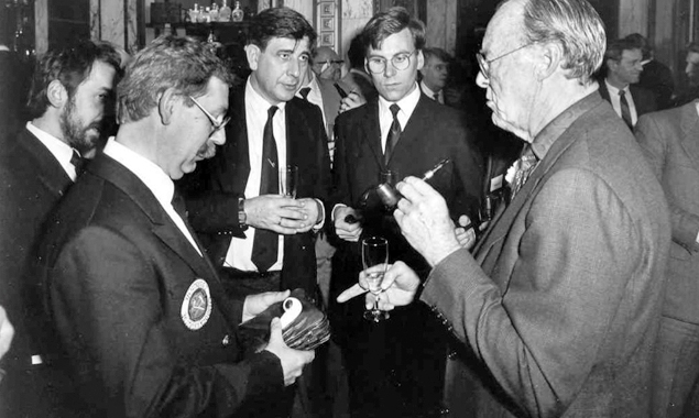HRH Prince Bernhard of Lippe-Biesterfeld together with J. Gubbels – The pipe always matches the prince's outfit